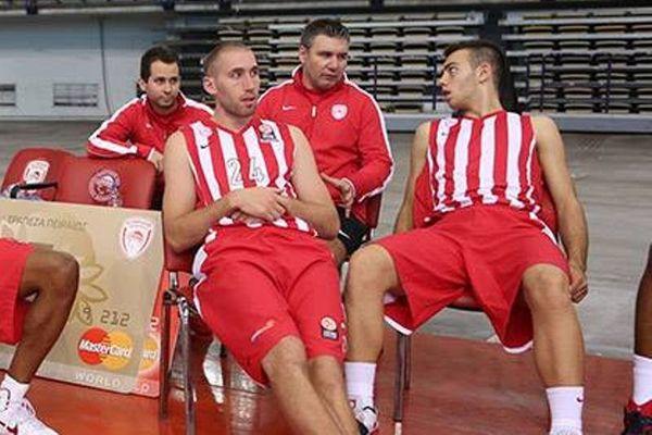 Λοτζέσκι: «Ανυπομονούμε να ξεκινήσει η σεζόν» (photos)