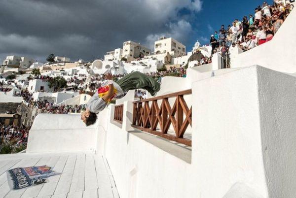 Red Bull Art of Motion: Ελληνική η κορυφή στην Σαντορίνη (photos+video)