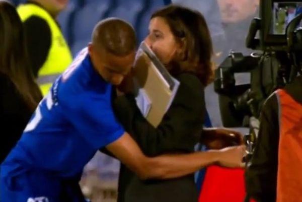 Πορτογαλία: Παίκτης έπεσε στην ... αγκαλιά γυναίκας! (video)
