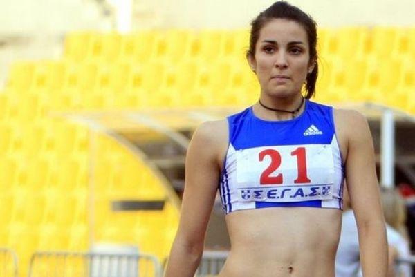 Ημιμαραθώνιος Θεσσαλονίκης: Η Πετσούδη τρέχει με τη νεογέννητη κόρη της