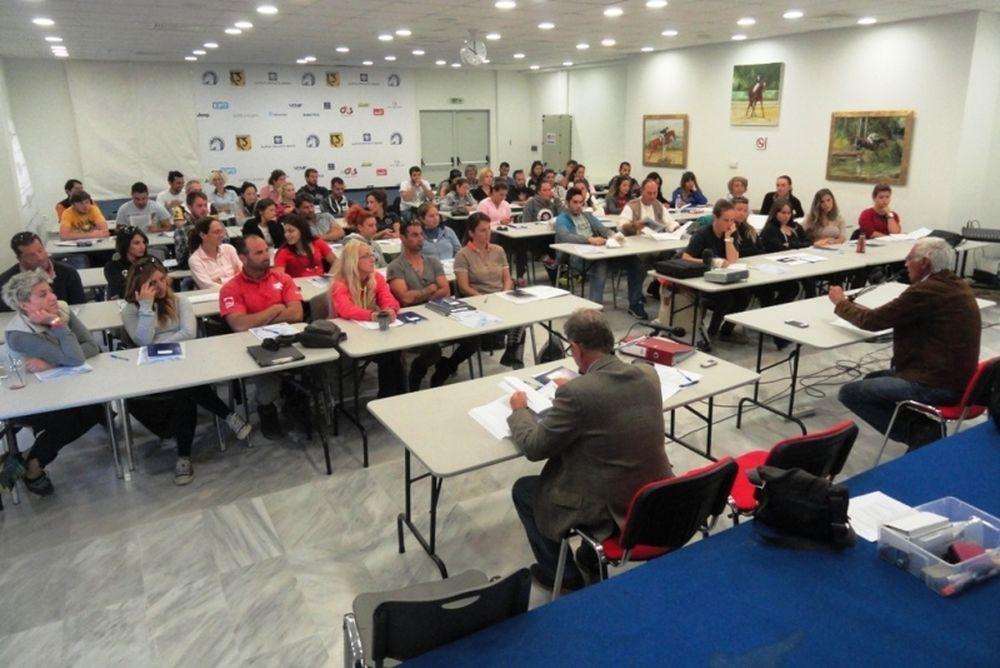 Ιππασία: Σχολή προπονητών με εκπαιδεύτρια Ιρλανδέζα!