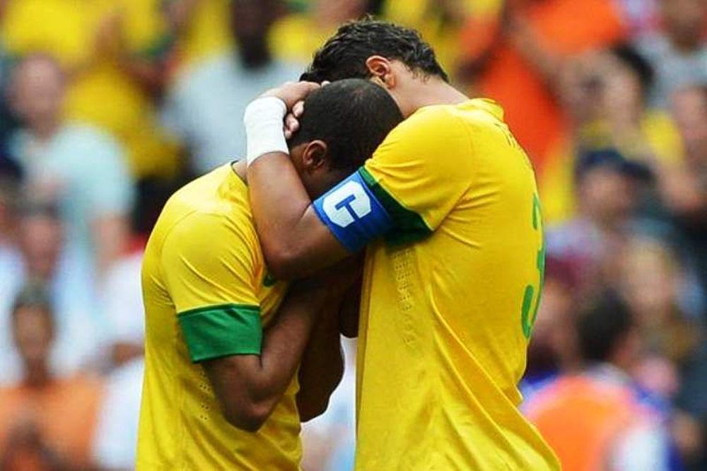 Βραζιλία: Με Τιάγκο Σίλβα και Μούρα