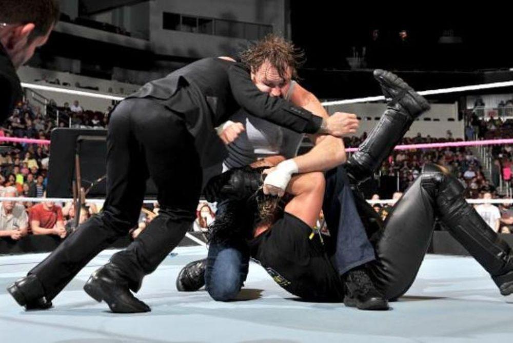 SmackDown: «Αρχηγός» ο Dean Ambrose (photos+videos)