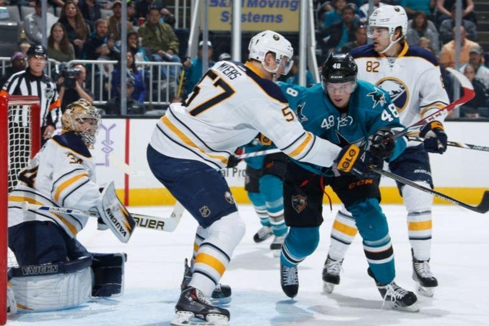 NHL: «Χτύπησαν» στο Σαν Χοσέ οι Σέιμπερς (videos)