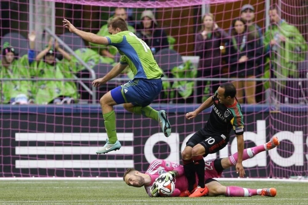 MLS: Πρώτοι οι Σάουντερς, στα playoffs οι Ουάιτκαπς (videos)