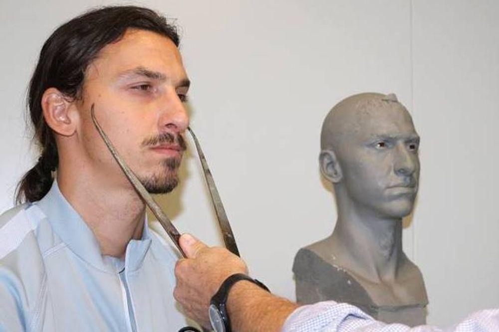 Ζλάταν Ιμπραΐμοβιτς: Ίδιος το... κέρινο ομοίωμά του! (photos)