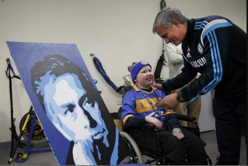 H συγκινητική συνάντηση Μουρίνιο με 11χρονο καρκινοπαθή (photos)
