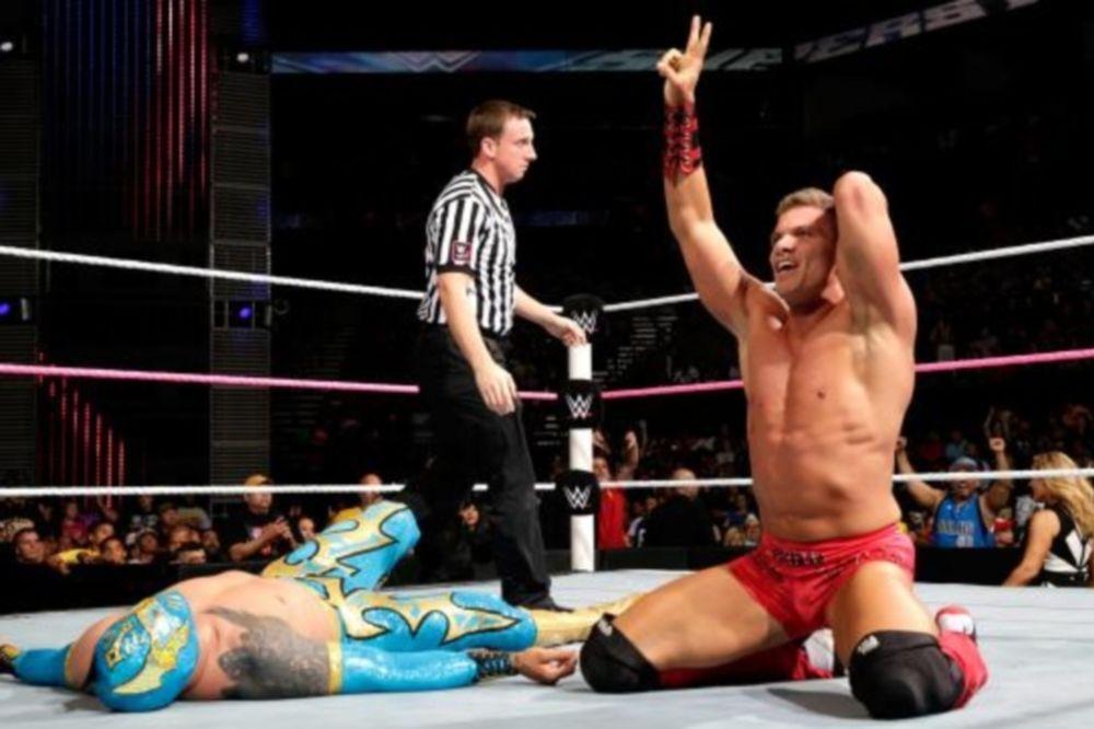 Superstars: «Λάμψη» από Tyson Kidd (photos+videos)