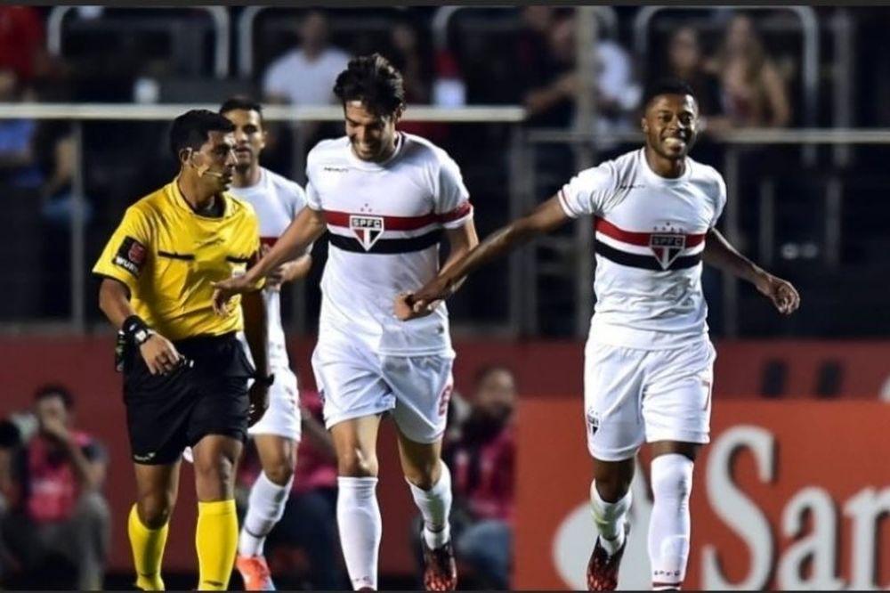 Τριπλό σόου στον θρίαμβο 4-2 της  Σάο Πάολο (videos+photos)