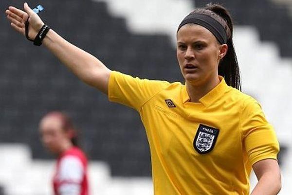 Αγγλία: Δε θα πιστεύετε γιατί κατηγορείται γυναίκα διαιτητή (photos)