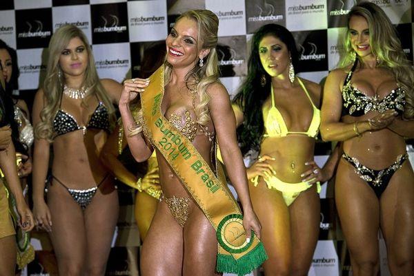 H μις κορυφαία … οπίσθια της Βραζιλίας (videos+photos)