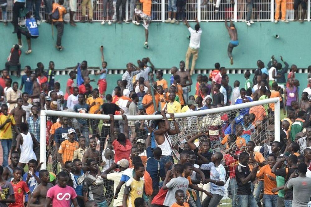 Οι σκηνές χάους μετά τo βολικό 0-0 Ακτής - Καμερούν (video+ photos)