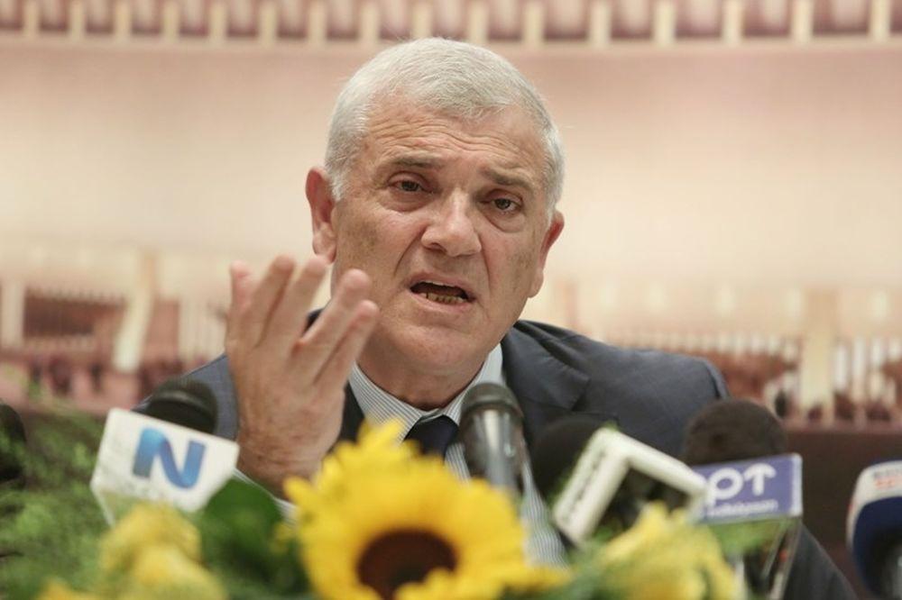 Μελισσανίδης: «Θα πέσει η χούντα του Μαρινάκη» (photos)