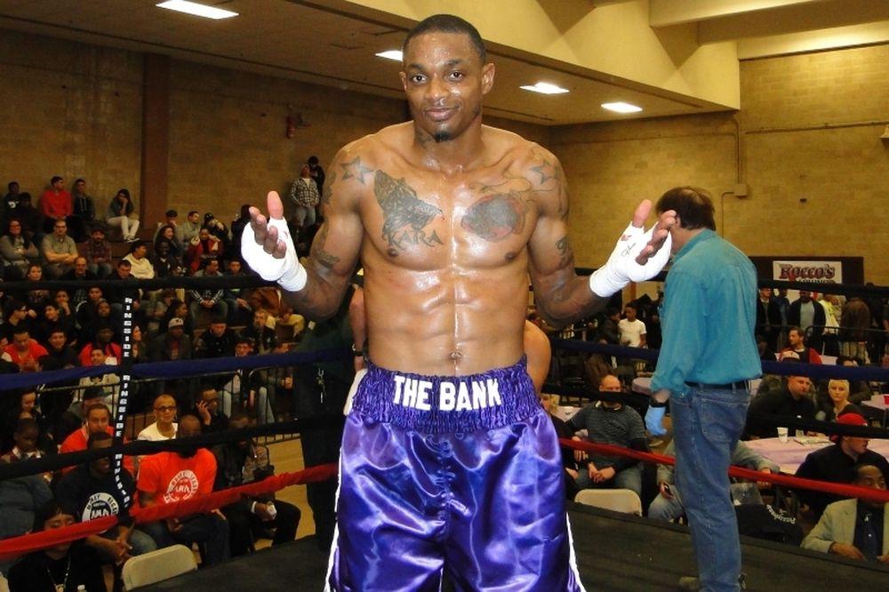 Μποξ: Γρήγορο KO για Derrick Webster