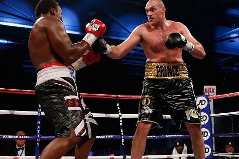 Μποξ: Ξανακέρδισε ο Fury τον Chisora (videos)