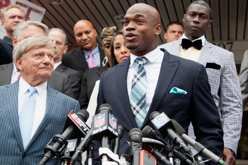 NFL: Σκέφτηκε αποχώρηση ο Adrian Peterson