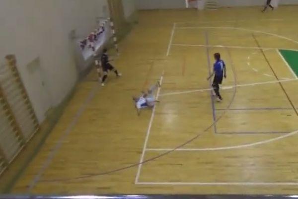Λετονία: Το πιο... κουφό γκολ στο ποδόσφαιρο σάλας (video)