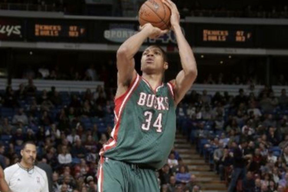 NBA: Νίκη για Αντετοκούνμπο, πόνος για Ντουράντ