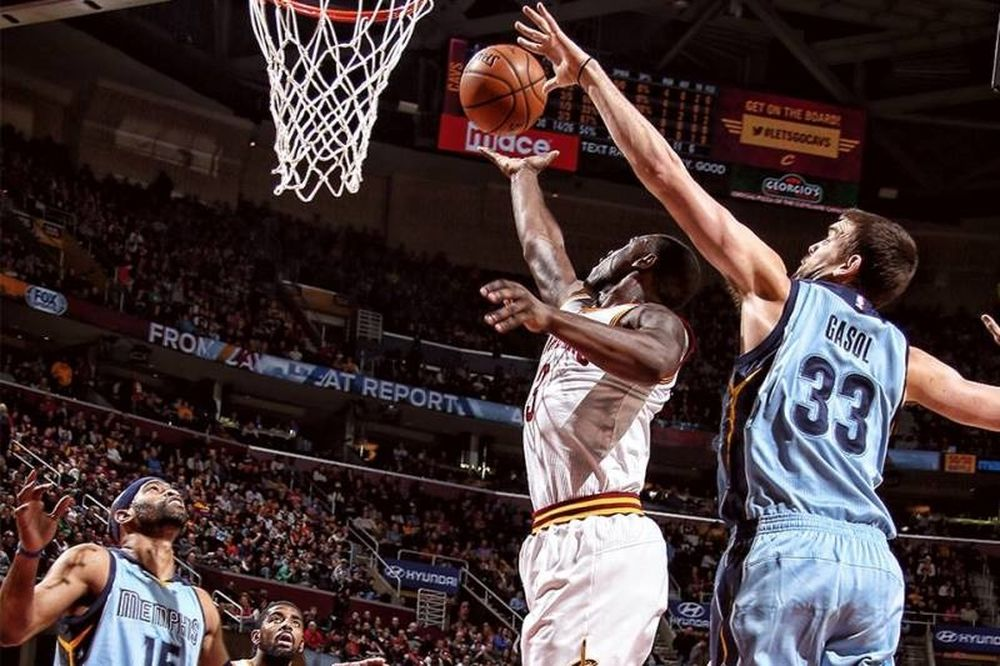 NBA: Ασταμάτητα... τους... σταματημένους ο Λεμπρόν (videos)