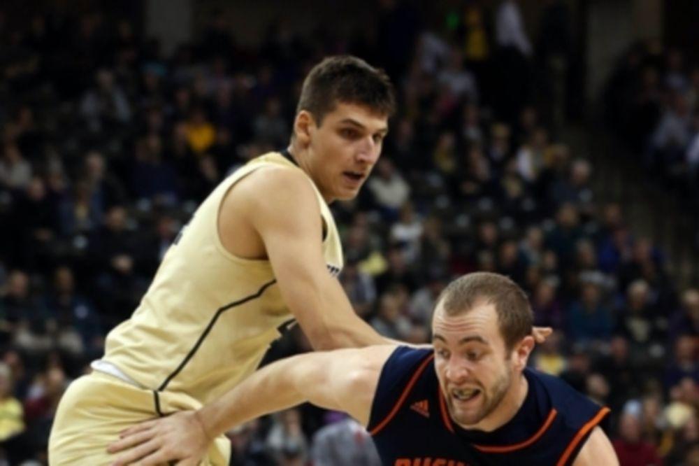 NCAA: Νίκη για Ουέικ Φόρεστ, δύο πόντους ο Μήτογλου (videos)