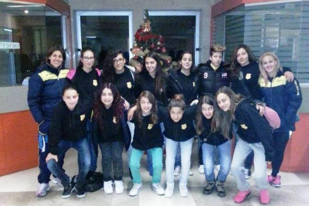 Εργοτέλης: Πρόσφερε δώρα και χαρά η γυναικεία ομάδα (photos)