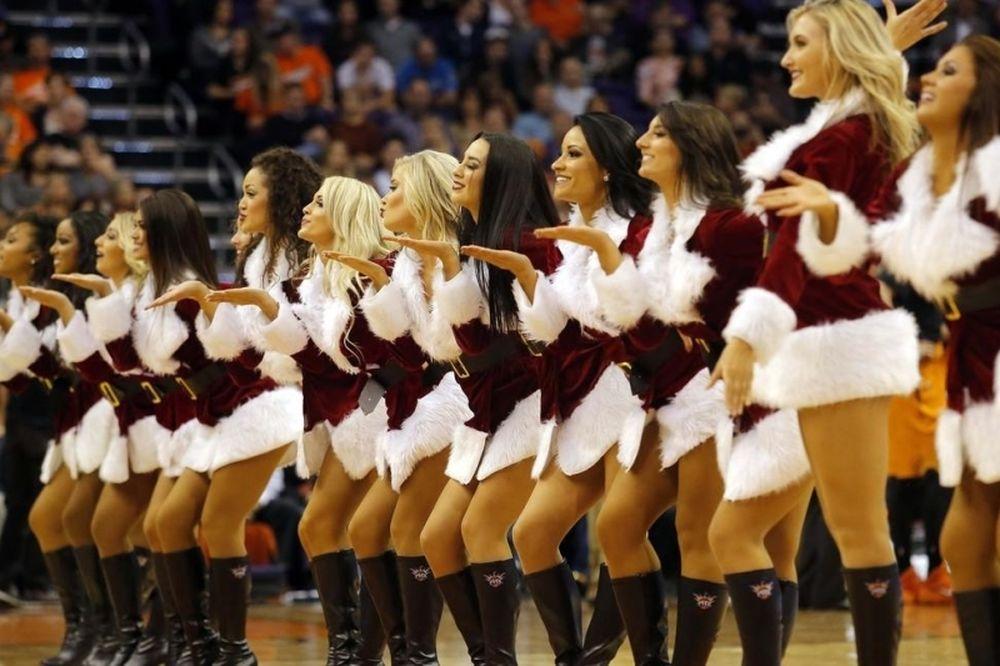 NBA: Χριστουγεννιάτικες χορεύτριες (photos)