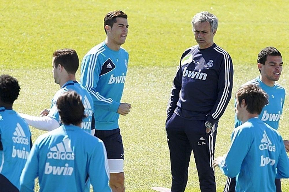 Ρεάλ Μαδρίτης: Μισούν τον Μουρίνιο οι παίκτες!