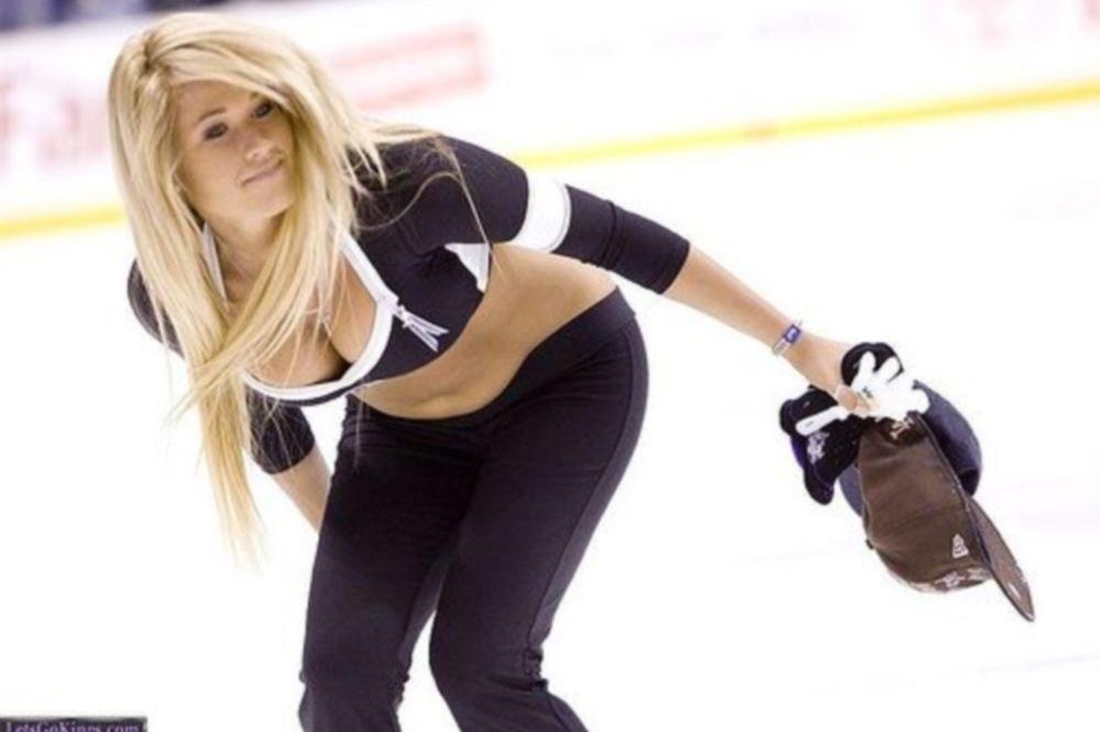 NHL: O πάγος κρατά και τα Ice Girls (photos)