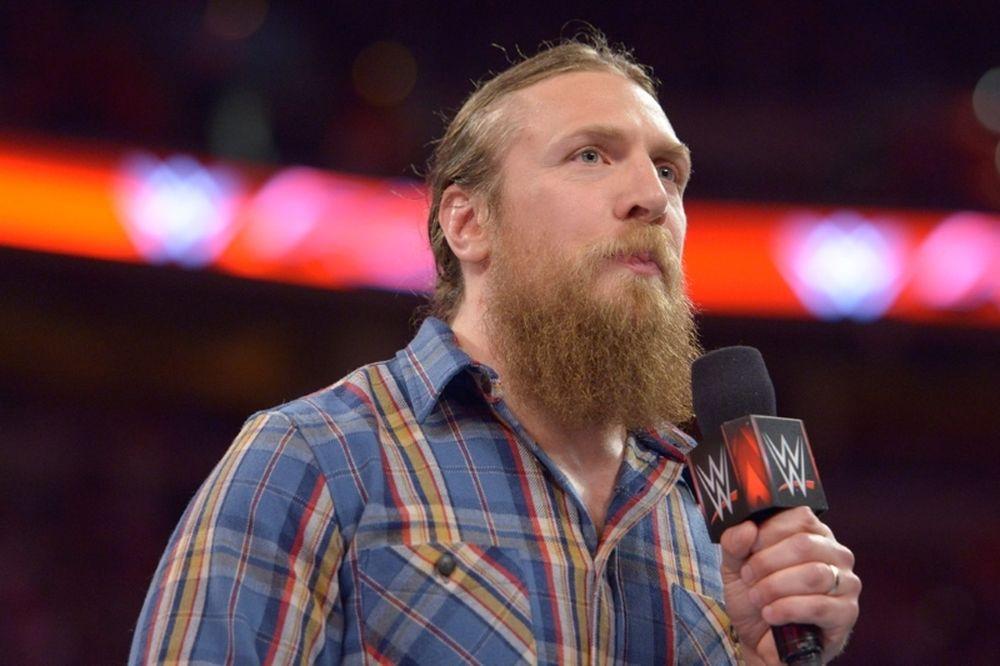Raw: Έτοιμος δήλωσε ο Daniel Bryan! (videos+photos)