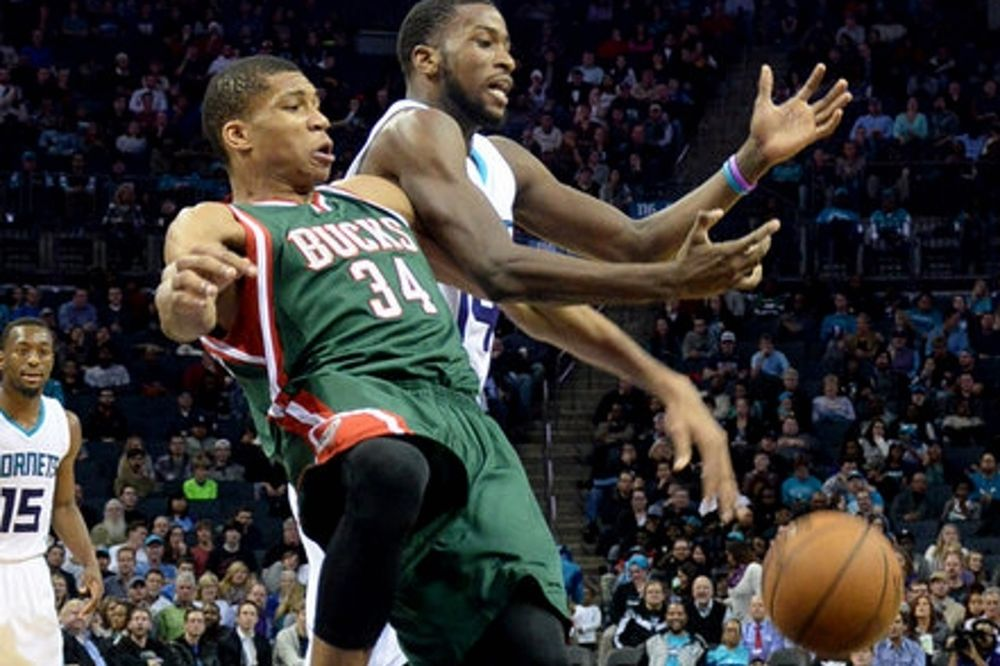 NBA: Μάγεψε ο Γιάννης Αντετοκούνμπο