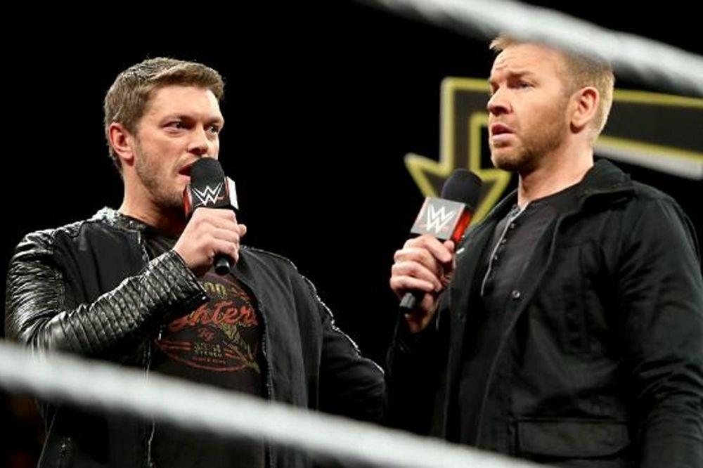 Main Event: Στεναχωρημένοι Edge και Christian (photos+videos)