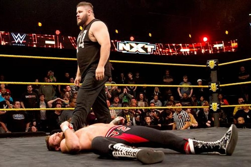 NXT: Υπεράσπιση και πόνος για Sami Zayn (photos+videos)