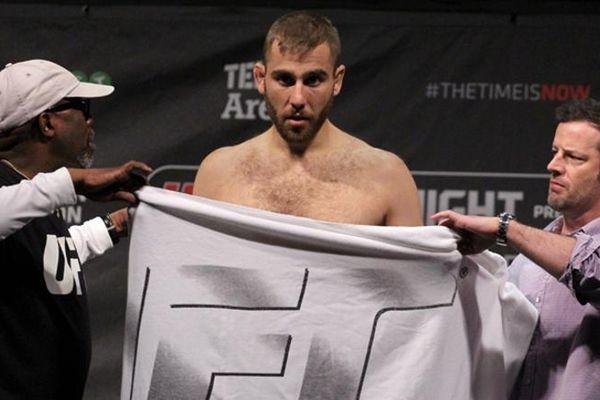 UFC on FOX 14: Στα κιλά του ο Τόνι Χριστοδούλου (video)