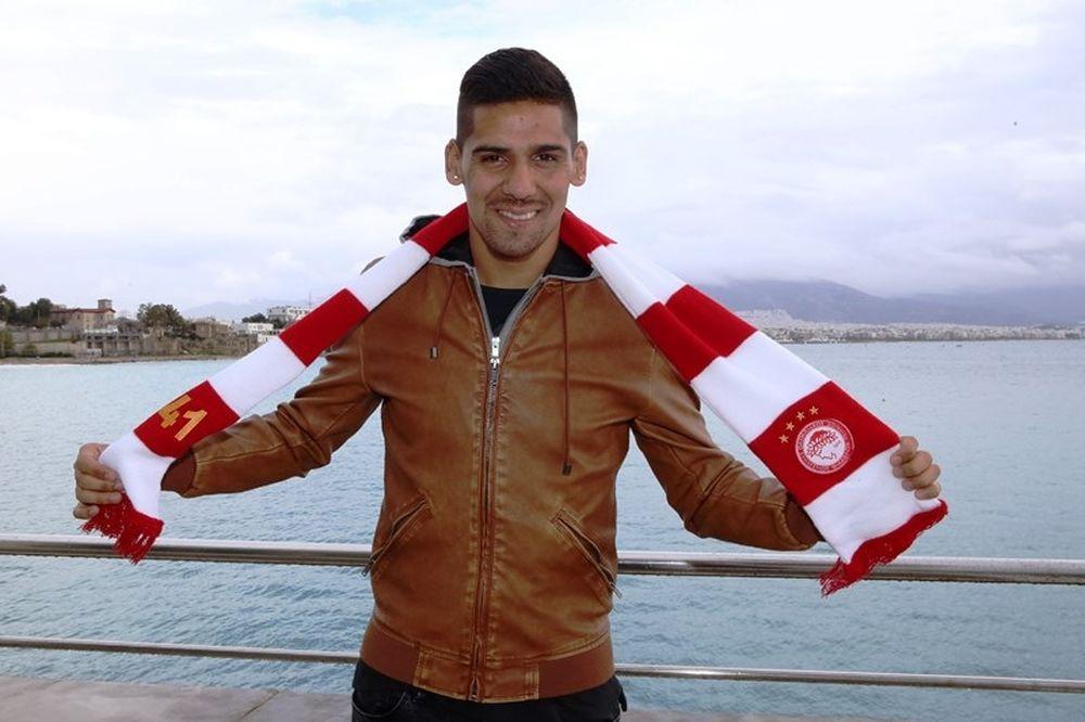 Χάρα: «Θα τα δώσω όλα για τον Ολυμπιακό» (photos)