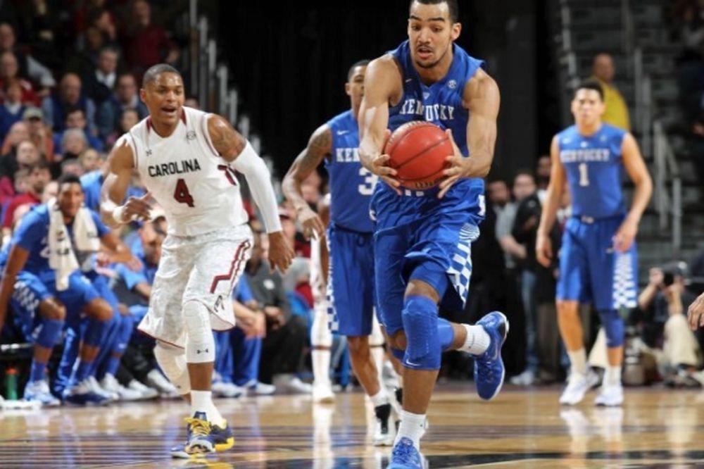 NCAA: Στο 1-2 συνεχίζουν Κεντάκι και Βιρτζίνια