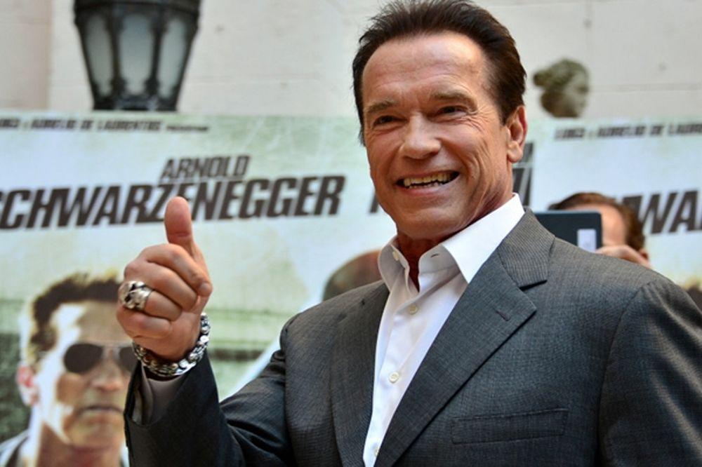 WWE: Δεύτερος εισακτέος ο Arnold Schwarzenegger!