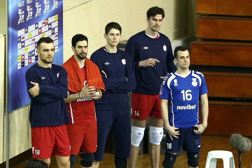 Onsports TV: Με ποδόσφαιρο προετοιμάστηκαν οι βολεϊμπολίστες του Ολυμπιακού (videos)