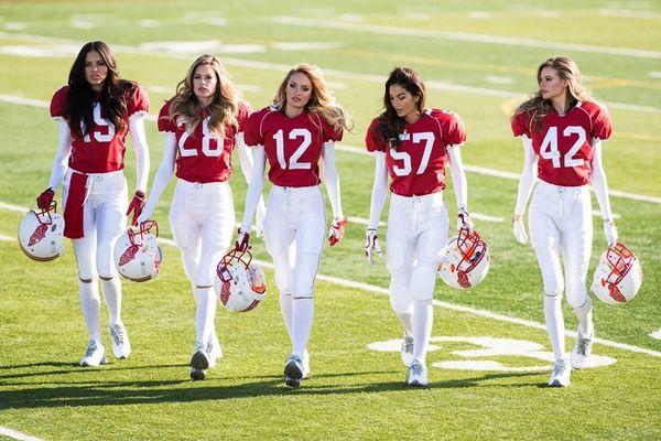 Oι άγγελοι της Victoria's Secret ... έπαιξαν μεγάλη μπάλα για το Super Bowl (videos+photos)