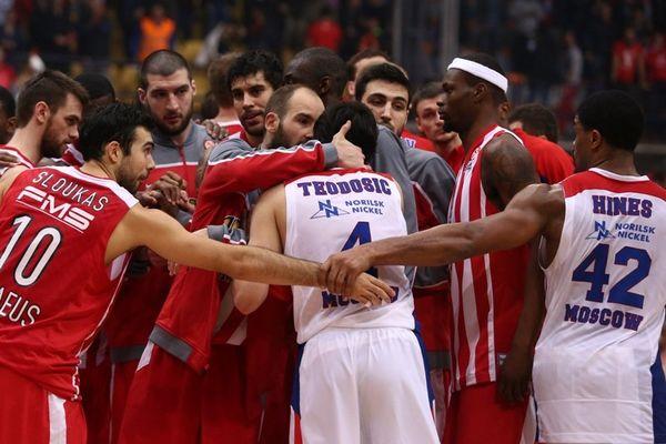 Onsports TV: Οι αγκαλιές με Χάινς, Τεόντοσιτς στο ΣΕΦ (video+photos)