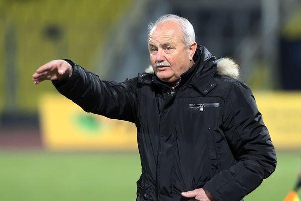 Διαμαντόπουλος: «Να μην λυγίζουν από την έδρα οι διαιτητές»