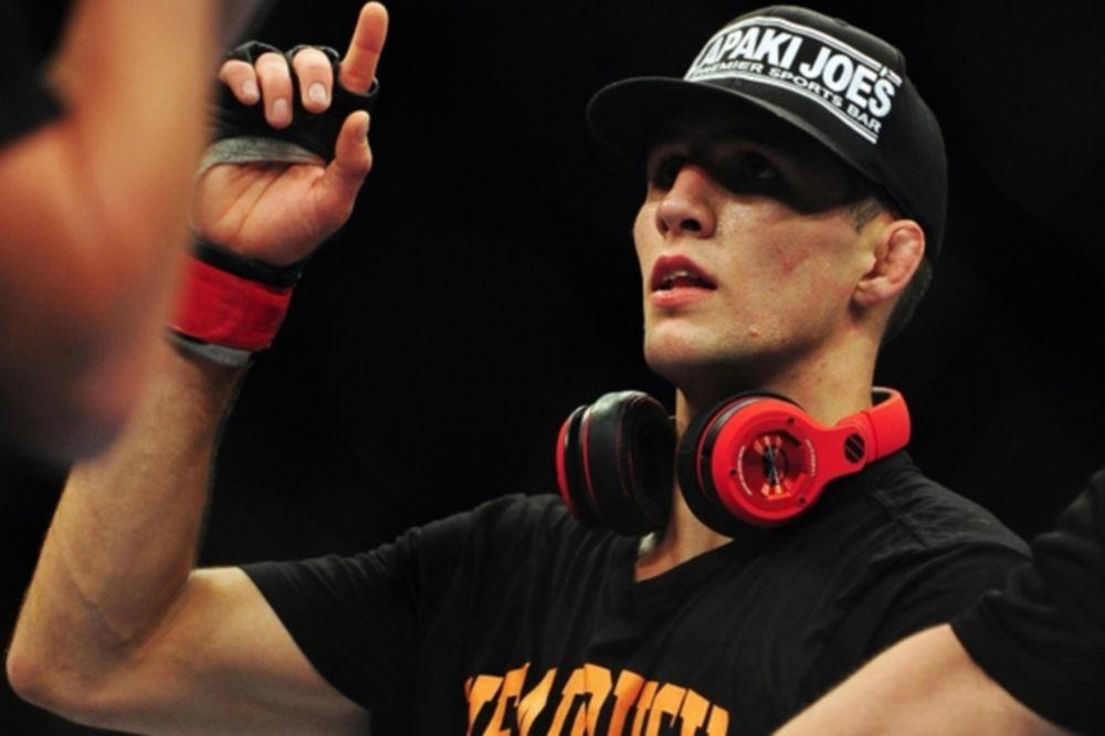 UFC 189: Επιτέλους… Lawler με MacDonald