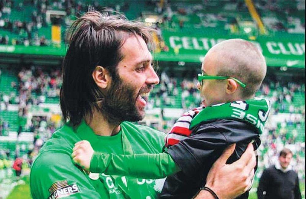 Η συγκινητική  ανακοίνωση του Σαμαρά στον μικρό Τζέι για το βραβευμένο του γκολ (videos)