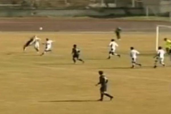 Αρμενία: Γκολάρα με ψαλιδάκι από παίκτη που... χαραμίζεται (video)