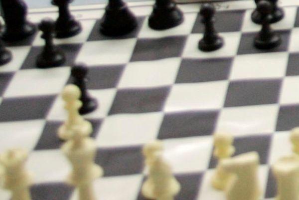 Σκάκι: Το σεμινάριο FIDE και τα σχολικά Κορυδαλλού και Κερατσινίου