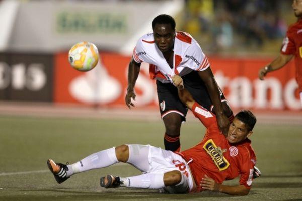 Κόπα Λιμπερταδόρες: Νέο στραβοπάτημα για Ρίβερ (videos)