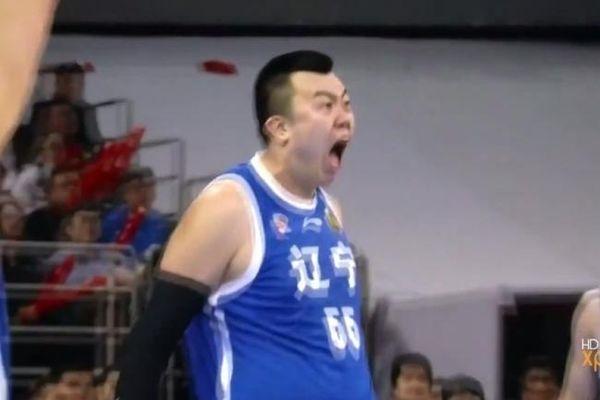 Κίνα: Πώς κάρφωσε έτσι το... θηρίο! (video)