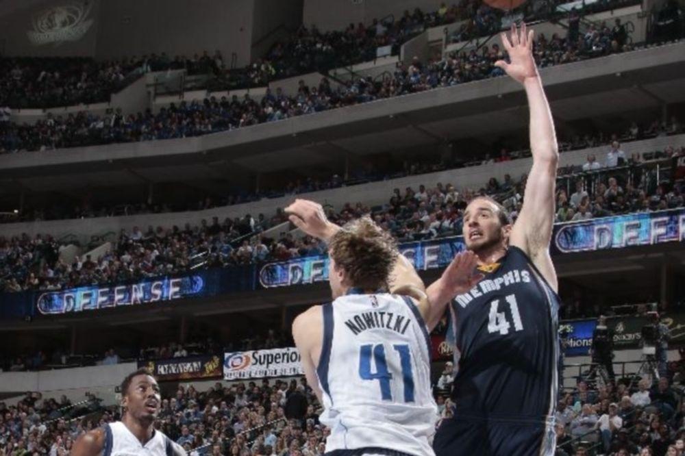 NBA: «Καθαρίζουν» οι Γκρίζλις, υποχωρούν οι Μπακς