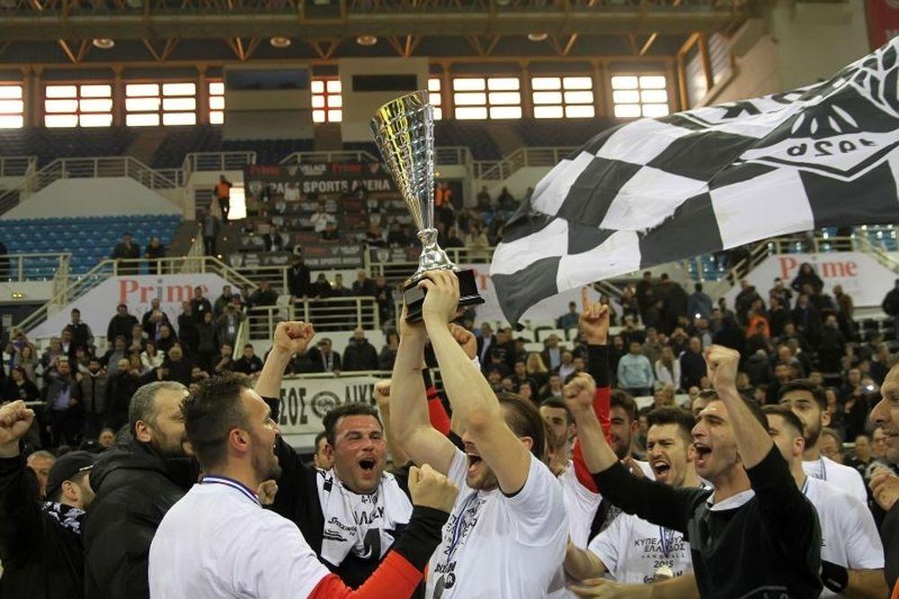 ΠΑΟΚ: Το Κύπελλο στον Πύργο τον Λευκό (photos)