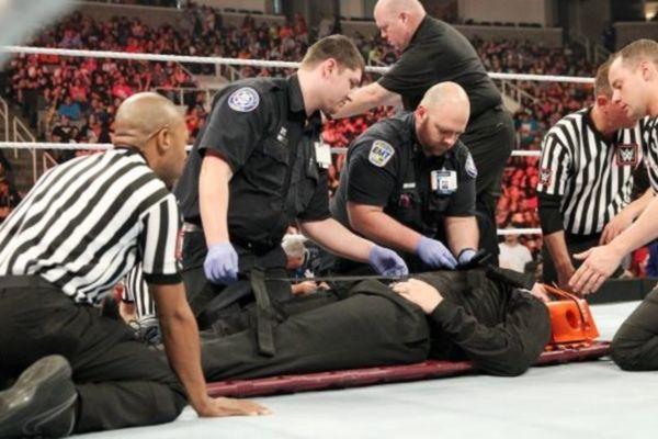 Raw: Τα γκρέμισε όλα ο Lesnar (videos)