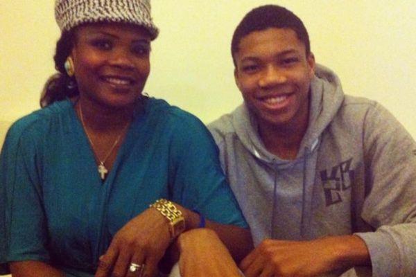 NBA: Γενέθλια για Αντετοκούνμπο, προπόνηση για Παπανικολάου